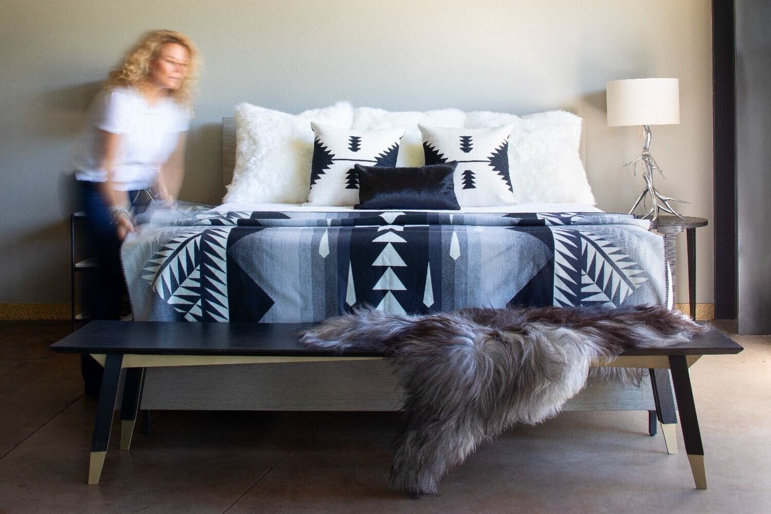 stel-house-and-home-steamboat-interiors-showroom-slide2